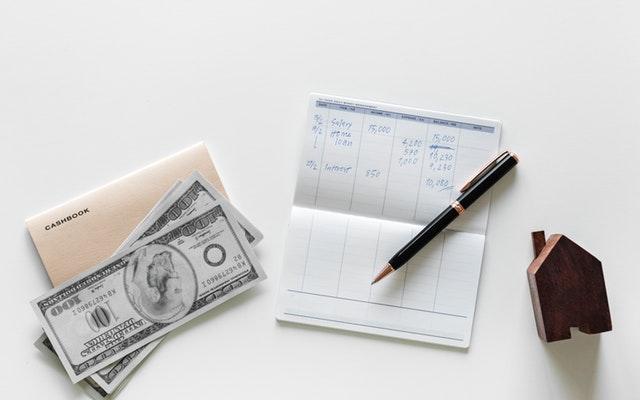 Hvornår får man løn, børnepenge og andre ydelser? Simpel guide
